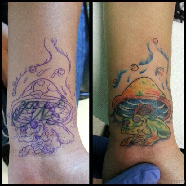 Lovely Frog Tattoo On Wrist