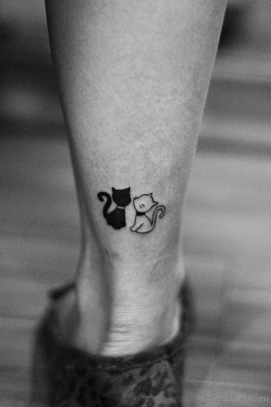 Loving Samll Cats Tattoo On Leg