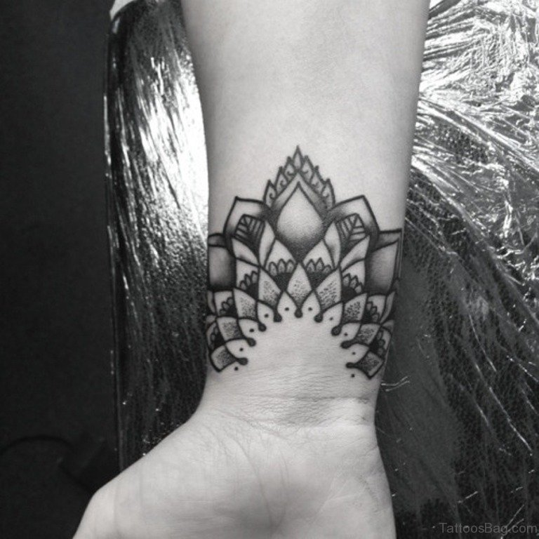 76a4e9e16a8ef 69 Stylish Wrist Tattoos