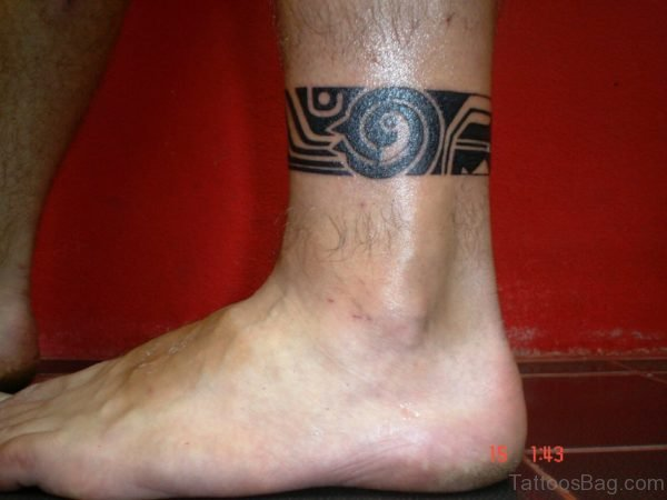 Mind Blowing Band Tattoo On Leg