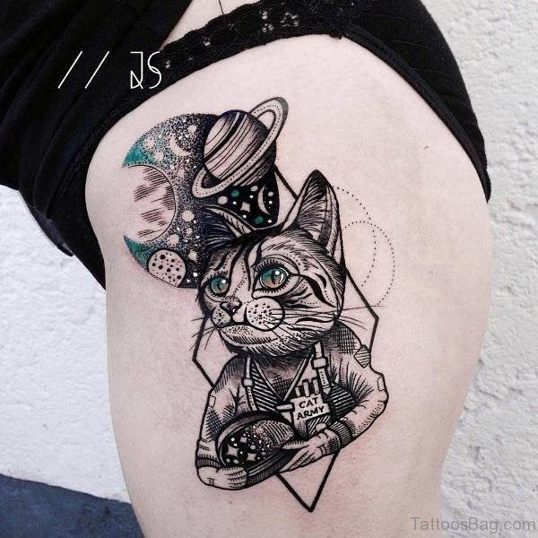 Nice Cat Designer Tattoo On Thigh