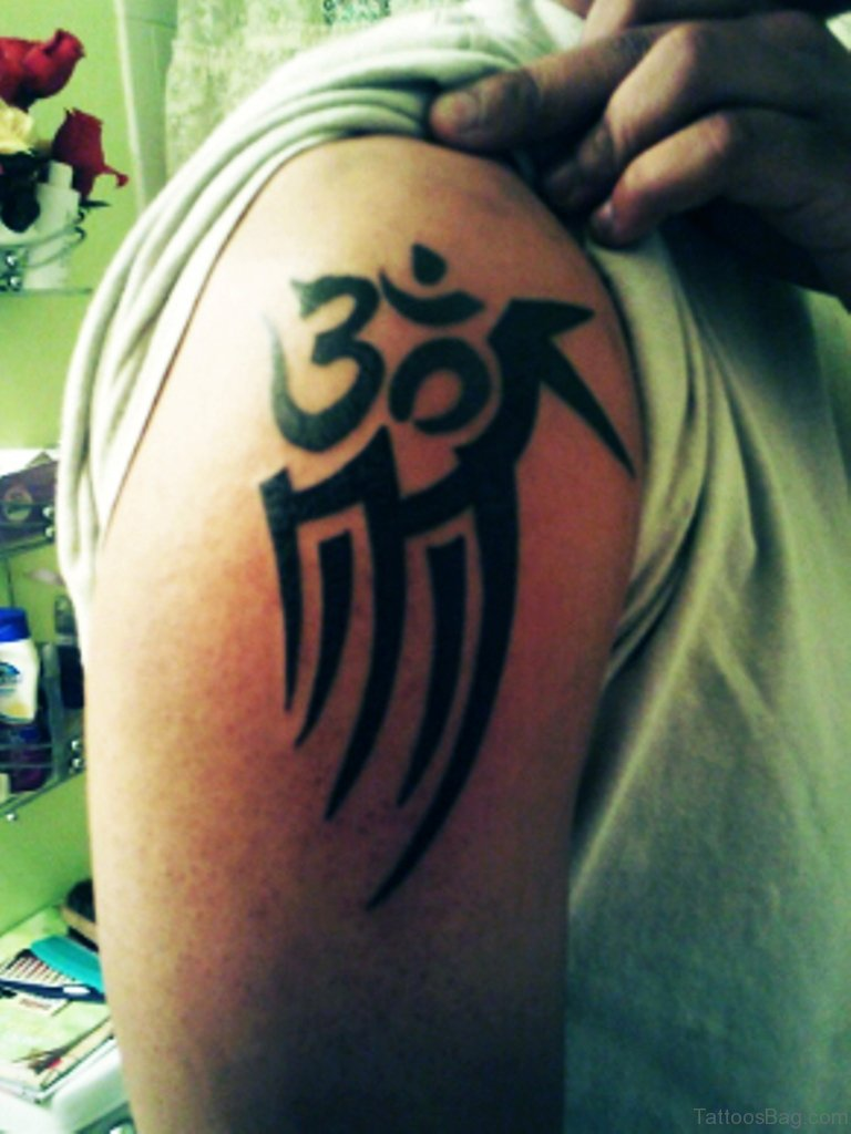 50 Good Looking Om Tattoos For Shoulder