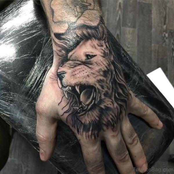 38 Elegant Lion Tattoos On Hand