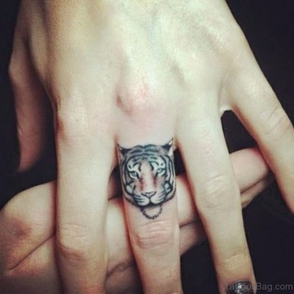 Trendy Lion Tattoo On Finger