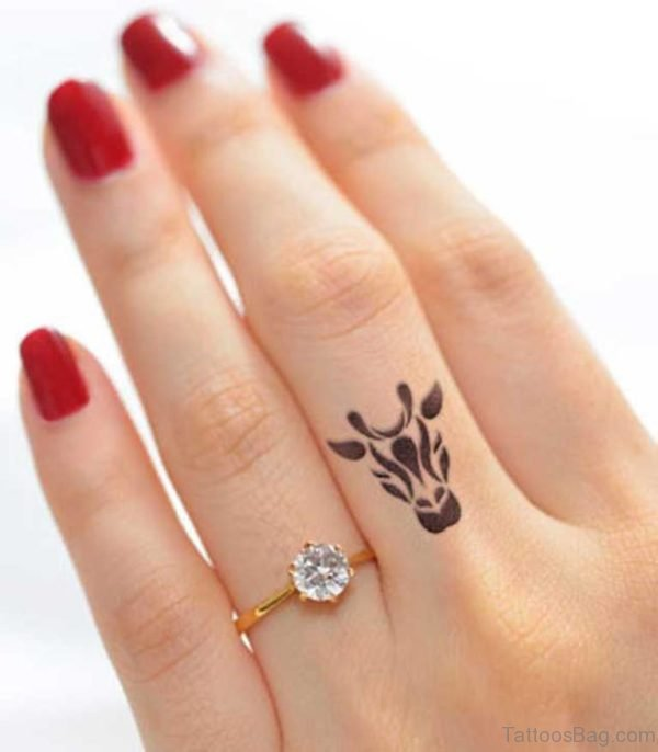 Tribal Giraffe Tattoo On Finger