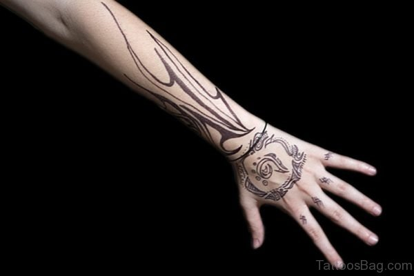 0af5e7786 98 Mind Blowing Tribal Tattoos On Hand