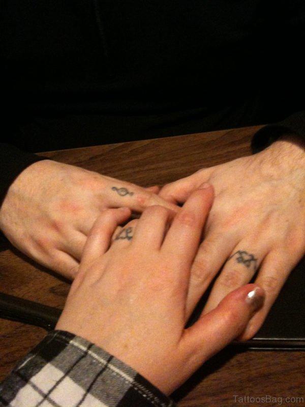 Wonderful Finger Tattoo