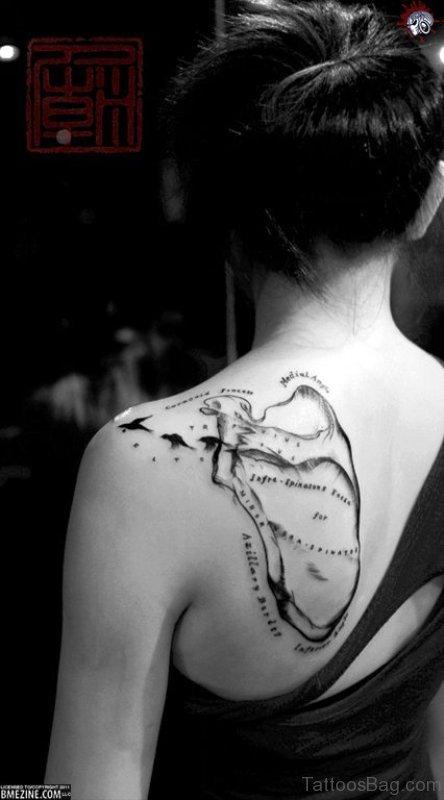 22 anatomical shoulder tattoos for Cute shoulder tattoos