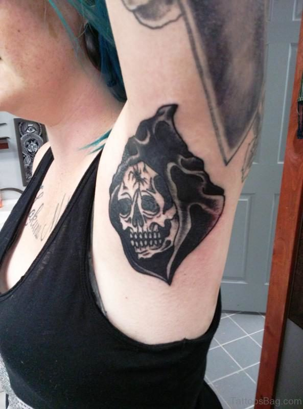Elegant Black Skull Tattoo On Armpit