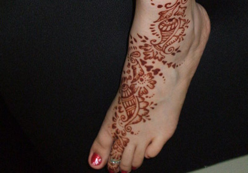 Henna Tattoo Color Brown: 12 Brown Color Tattoo On Foot